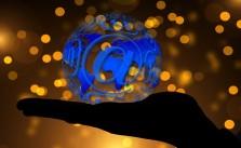 hand-1030571_640